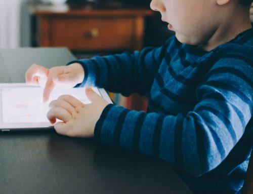 Como evitar que crianças fiquem dependentes de tecnologia?
