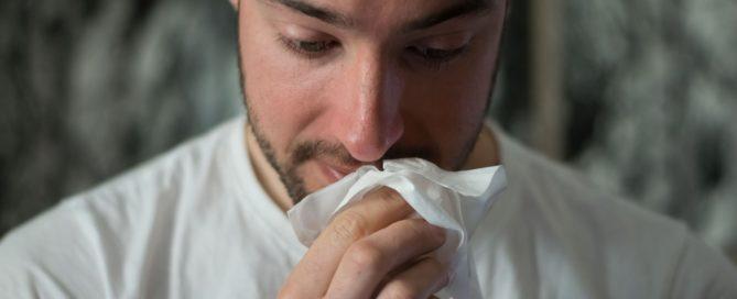 A sinusite pode ter diversas causas ambientais, genéticas e anatômicas