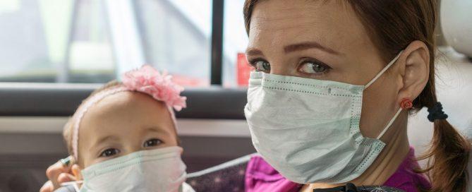 Os cuidados de higiene precisam ser intensificados pelas famílias com bebês em casa para evitar o COVID-19
