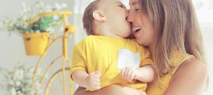 É comum acreditar que bebês e crianças pequenas não são afetadas pela pandemia