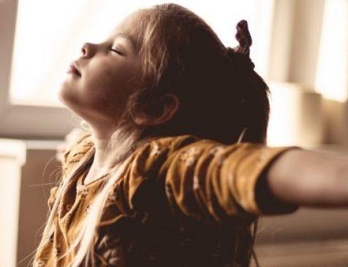 Crianças com TDAH podem se beneficiar de exercícios de respiração e yoga